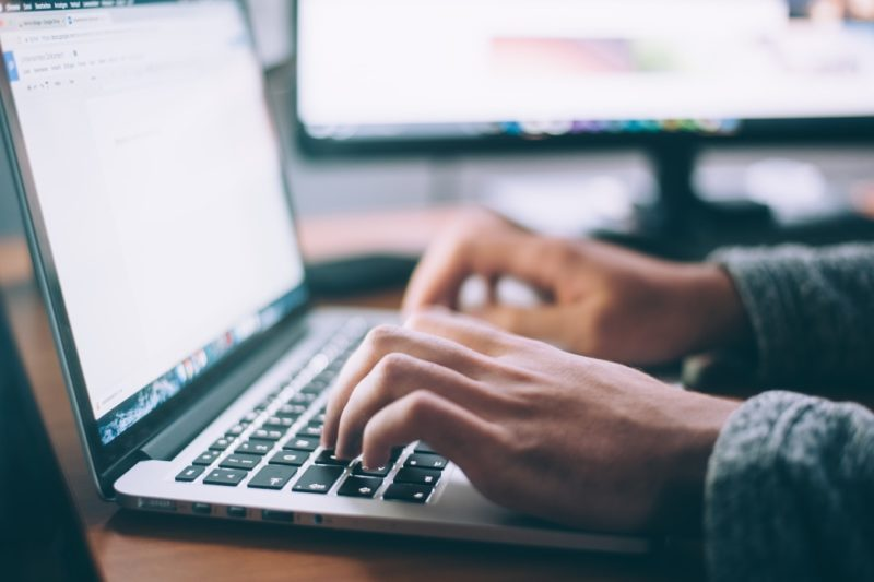 Quelques conseils pour t'aider à  rédiger ton premier CV…