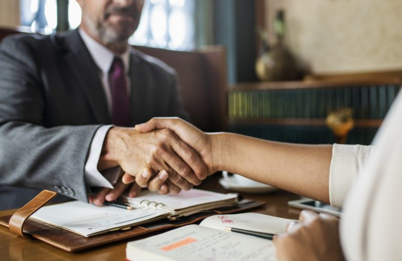Conseils et astuces pour préparer et réussir un entretien d'embauche